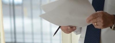 副業サラリーマンとしてやるか、独立するか
